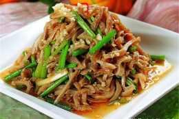 韭菜花茭白炒豬肚,注意做做好這些,就一定會好吃