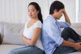 丈夫看到妻子生娃:原來我媽生我這麼遭罪,你以後再忤逆她試試!