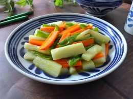 胡蘿蔔和山藥的組合,簡單一炒就很美味,孩子很喜歡吃