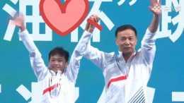 雙金牌! 何威儀教練發言顯情商, 陳芋汐恩師稱全紅嬋跳不了三米板