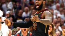 NBA想讓詹姆斯再拿2枚總冠軍!湖人下賽季大機率會交易濃眉?