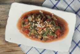 貴州風味燒椒茄子,先碳烤再涼拌,味道焦香軟滑很開胃