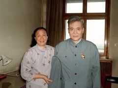 方舟子:為什麼老有人拿楊振寧和鄧稼先對比?兩人並不是一個量級,一個是對全人類的貢獻,一個是對國家的貢獻