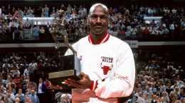 解析:為什麼說1987-88賽季常規賽MVP是NBA歷史上競爭最激烈的,因為有3個歷史最佳球員。